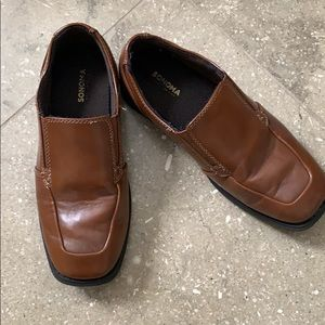Boy's dress shoes